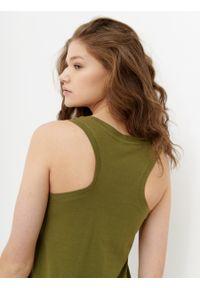 outhorn - Gładki top damski. Materiał: bawełna, tkanina. Długość rękawa: na ramiączkach. Wzór: gładki. Sezon: lato