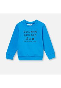 Niebieski sweter Sinsay z napisami