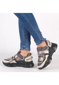 Navy dot - Czarne sneakersy damskie NAVY DOT 56004. Kolor: czarny. Materiał: zamsz, skóra