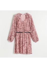 Reserved - Sukienka z paskiem - Wielobarwny