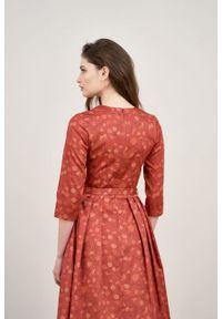 Marie Zélie - Sukienka Alodia Estrilda ceglasta. Kolor: czerwony. Materiał: bawełna, satyna, skóra, materiał