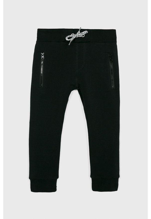 Czarne spodnie dresowe Name it