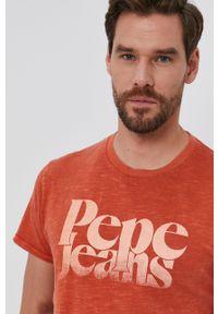 Pepe Jeans - T-shirt bawełniany Yuri. Okazja: na co dzień. Kolor: pomarańczowy. Materiał: bawełna. Wzór: nadruk. Styl: casual