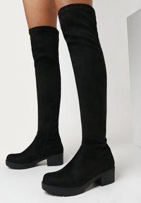 Born2be - Czarne Kozaki Cythippe. Nosek buta: okrągły. Zapięcie: zamek. Kolor: czarny. Szerokość cholewki: normalna. Wzór: aplikacja. Wysokość cholewki: przed kolano. Sezon: zima. Obcas: na obcasie. Styl: klasyczny. Wysokość obcasa: niski