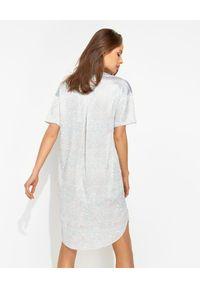 HERZEN'S ANGELENGEHEIT - Jedwabna sukienka mini z motywem zwierzęcym. Okazja: na co dzień. Typ kołnierza: dekolt w kształcie V. Kolor: szary. Materiał: jedwab. Wzór: motyw zwierzęcy. Typ sukienki: proste, oversize. Styl: casual. Długość: mini