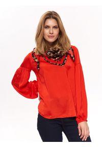 TOP SECRET - Bluzka z odkrytymi plecami o luźnym kroju. Kolor: czerwony. Materiał: tkanina. Długość rękawa: długi rękaw. Długość: długie. Wzór: gładki. Sezon: lato, wiosna. Styl: elegancki