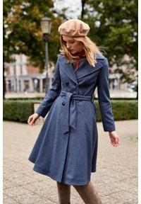 Marie Zélie - Płaszcz wełniany Achillea niebieski. Kolor: niebieski. Materiał: wełna. Wzór: motyw zwierzęcy, ze splotem. Sezon: zima