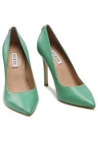 Zielone szpilki Guess eleganckie, na wysokim obcasie, na szpilce