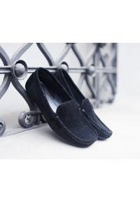 Czarne półbuty Zapato klasyczne, na lato