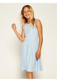 Niebieska sukienka Guess na co dzień, prosta, casualowa