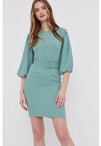 Answear Lab - Sukienka. Kolor: turkusowy. Materiał: tkanina. Długość rękawa: krótki rękaw. Wzór: gładki. Styl: wakacyjny