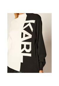 Biały sweter klasyczny Karl Lagerfeld z dekoltem karo