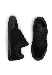 Czarne buty sportowe Etnies na co dzień, z cholewką