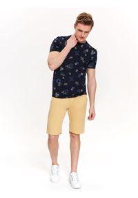 Niebieski t-shirt TOP SECRET w kolorowe wzory, casualowy, na lato