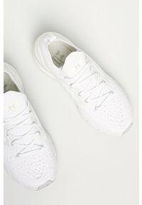 Under Armour - Buty UA Hovr Phantom 2. Nosek buta: okrągły. Zapięcie: sznurówki. Kolor: biały. Materiał: guma. Sport: bieganie