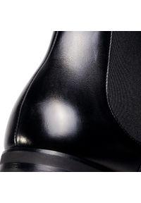 Czarne buty zimowe Fabi klasyczne, z cholewką