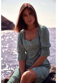 MOE - Sukienka w Stylu Retro na Guziki - Model 1. Materiał: wiskoza, poliester. Styl: retro