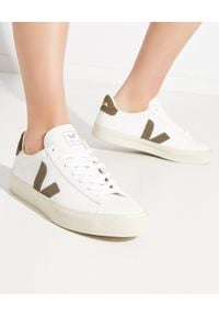 Veja - VEJA - Sneakersy Campo Kaki. Kolor: biały. Materiał: guma, bawełna, zamsz, materiał. Szerokość cholewki: normalna