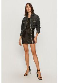 Pepe Jeans - Sukienka New Megan x Dua Lipa. Okazja: na co dzień. Kolor: czarny. Materiał: materiał. Długość rękawa: na ramiączkach. Typ sukienki: proste. Styl: casual