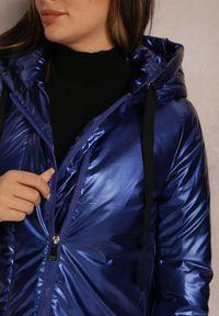 Renee - Granatowa Kurtka Z Nerką Caelloene. Kolor: niebieski. Sezon: jesień, zima. Styl: klasyczny