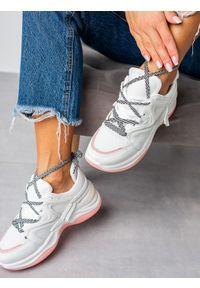 Casu - Białe buty sportowe sneakersy sznurowane casu 20g10/w. Kolor: biały