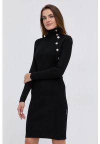 Silvian Heach - Sukienka. Kolor: czarny. Materiał: dzianina. Długość rękawa: długi rękaw. Wzór: gładki. Typ sukienki: dopasowane