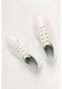 Białe sneakersy Camper z cholewką, na sznurówki