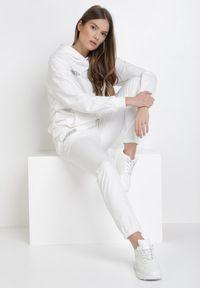 Biały dres Born2be