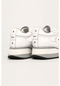 Białe buty sportowe Blauer na średnim obcasie, na obcasie, z cholewką, na sznurówki