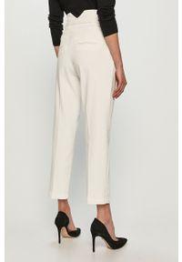 Białe jeansy loose fit Pinko z podwyższonym stanem, klasyczne, gładkie