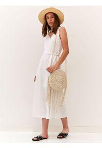 Biała sukienka TOP SECRET midi, trapezowa, w kolorowe wzory, na lato