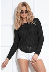 Czarny sweter oversize Fobya z klasycznym kołnierzykiem, w ażurowe wzory, klasyczny