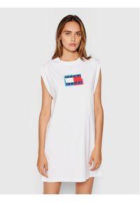 Tommy Jeans Sukienka codzienna Logo Flag DW0DW10442 Biały Regular Fit. Okazja: na co dzień. Kolor: biały. Typ sukienki: proste. Styl: casual