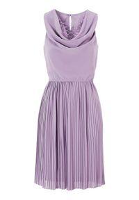 Fioletowa sukienka Happy Holly plisowana, w koronkowe wzory