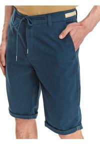 TOP SECRET - Szorty strukturalne. Kolor: niebieski. Materiał: materiał, tkanina. Długość: do kolan. Sezon: lato. Styl: wakacyjny