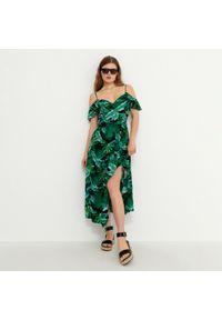 House - Sukienka z odkrytymi ramionami - Wielobarwny. Typ sukienki: z odkrytymi ramionami