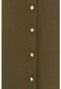Answear Lab - Sukienka. Okazja: na co dzień. Typ kołnierza: kołnierzyk stójkowy. Kolor: zielony. Materiał: tkanina. Wzór: gładki. Typ sukienki: proste. Styl: wakacyjny