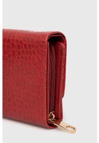 Answear Lab - Portfel. Kolor: czerwony. Materiał: materiał. Wzór: gładki