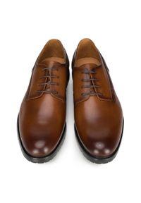 Wittchen - Męskie derby skórzane. Nosek buta: otwarty. Kolor: brązowy. Materiał: skóra. Wzór: gładki. Styl: klasyczny