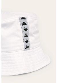 Biały kapelusz Kappa