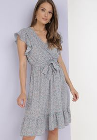 Born2be - Jasnoniebieska Sukienka Dorinisse. Kolor: niebieski