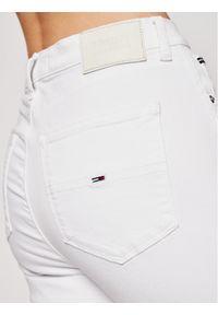 Białe jeansy slim Tommy Jeans