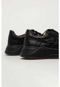 Czarne sneakersy Guess Jeans z okrągłym noskiem, na sznurówki