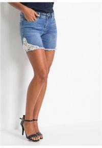 Niebieskie jeansy bonprix na lato, w koronkowe wzory
