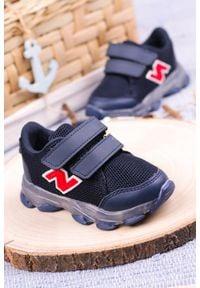 Casu - granatowe buty sportowe na rzep casu 204/14m. Zapięcie: rzepy. Kolor: niebieski