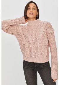 Różowy sweter Answear Lab wakacyjny