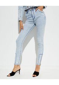 IXIAH - Błękitne jeansy West End. Stan: podwyższony. Kolor: niebieski. Długość: długie