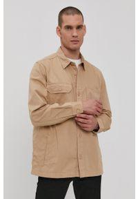 Lee - Koszula. Typ kołnierza: kołnierzyk klasyczny. Kolor: beżowy. Materiał: tkanina. Długość rękawa: długi rękaw. Długość: długie. Wzór: gładki. Styl: klasyczny