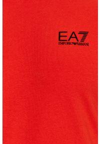 EA7 Emporio Armani - T-shirt. Okazja: na co dzień. Kolor: czerwony. Materiał: dzianina. Styl: casual