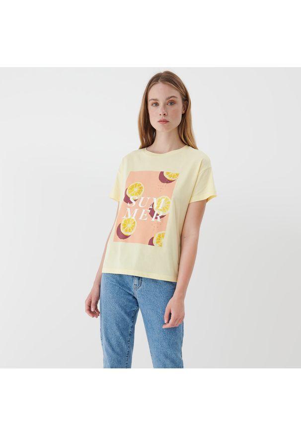 Mohito - T-shirt z nadrukiem - Żółty. Kolor: żółty. Wzór: nadruk